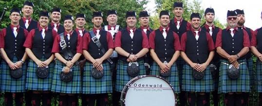 Mini-parade + aubade par Odenwald Pipes & Drums